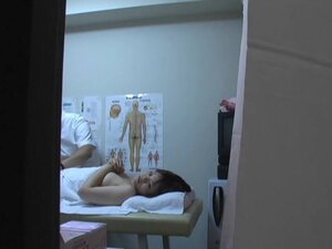 Skillful masseur doing Japanese pussy massage voyeured