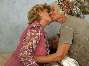Grannies verses hotties in an ultimate lesbian orgy