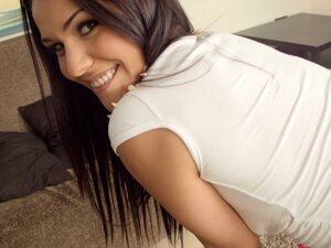 Samia Duarte performs a sexy POV blowjob after flaunting her butt