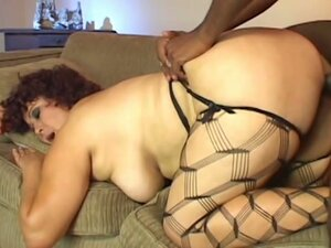 Bombshell brunette with big tits scream in pleasure as cunt gets fcked