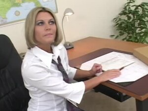 Quick fuck with office whore