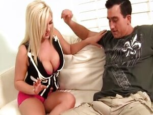 Dayna Vendetta fucks with a prison guy
