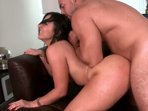 Latina beauty with an impressive booty has it banged
