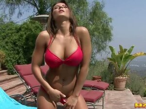 Madison Ivy red hot bikini striptease and masturbation