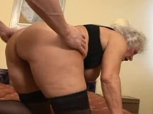 Hairy pussy granny nailed in her box