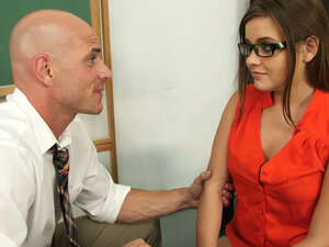 Hungry for cock Ashlynn Leigh gives a head to her school teacher