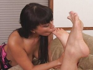 Horny Lesbian Babes Foot Fetishes