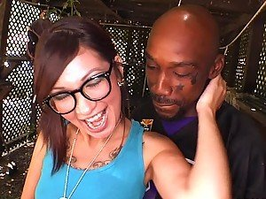 Black monster in biggz fucks a sexy nerdy babe