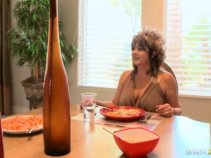 Naughty blonde babe has lunch with mom then dad becomes dessert