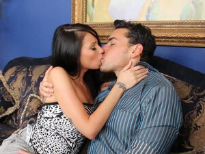 Gorgeous babe Raven Bay can't resist attractive brunette male