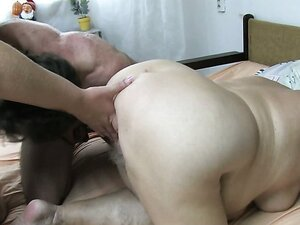 Redneck plump rumps sharing one cock in nasty threesome