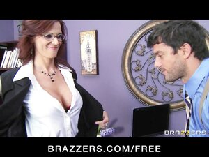 Busty FBI agent Syren De Mer fucks information out of her suspect