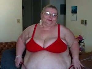 Extremely fat and ugly mature lady dancing on webcam