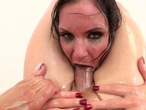 Anal penetration for busty Phoenix Marie