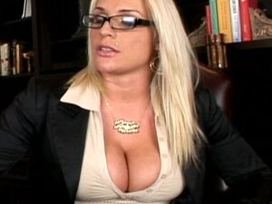 Blonde fuck in her mouth and shaved pussy