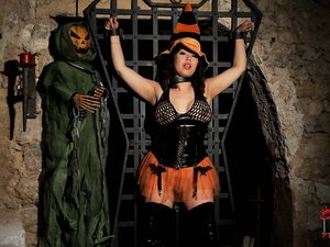 Wicked Asian Halloween witch escapes from bondage and plays with herself