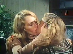 Vintage Lesbian Sex With Horny Blondes And Their hairy Pussies