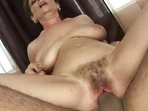 Granny gets her hairy pussy fucked