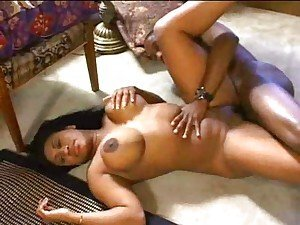 Black whore with big tits opens vagina