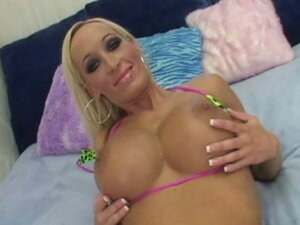 Blonde milf lichelle marie gets banged