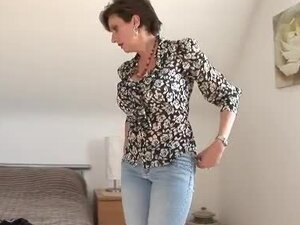 Goddess milf gets dressed