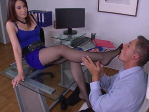 Wild hottie loves it at the office