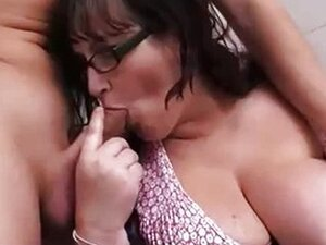 Horny BBW tourist gets dicked in restroom