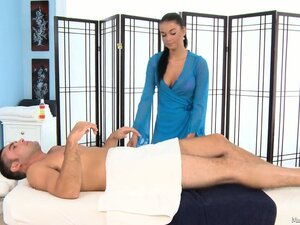 Busty brunette masseuse rubs but really wants to suck his meat pole