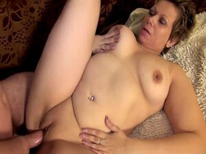 MATURE WOMAN ENJOYS SEX WITH BF !!