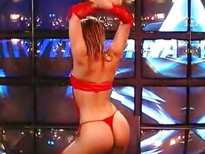 Reality Sex Show Daniela Striptease
