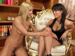 Melanie Memphis the pretty brunette gets fisted by blonde
