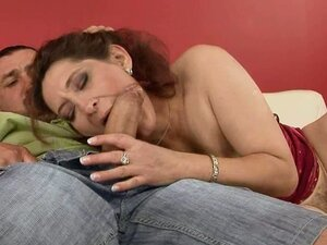 Mature Woman Loving the Hardcore Sex Like No Other