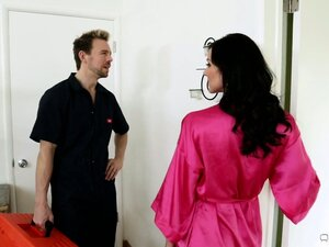 Charming brunette manages to seduce this guy in the matter of few seconds