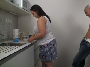 Fat girl food fuck in her kitchen