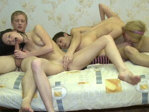 Russian babes fucking in group action