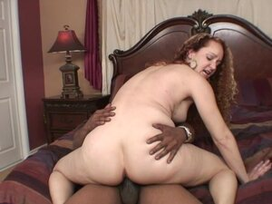 Very hot Girl Receive Double Penetration And A cock On Her Mouth