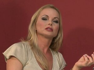 Silvia Saint receives another wannabe pornstars and examines and inspects her body