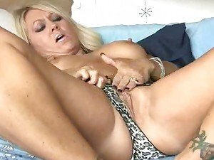 Sexy milf secretary housewife !