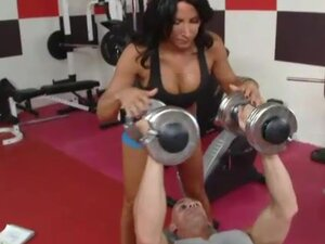 Fit body Lezley Zen fucked in the gym