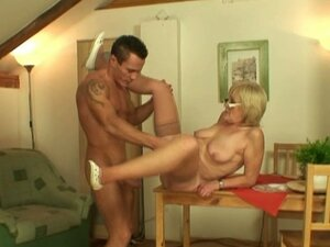 Old mom-in-law fucked hard