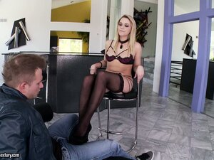 Leggy blonde in stockings masturbates while teasing with her feet