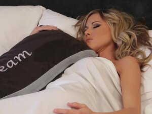 Sarah Jain sleeping is so sexy!