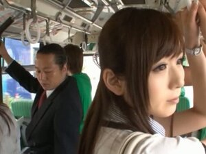 Yuu Asakura's Ass Is Rubbed With A Cock On The Bus