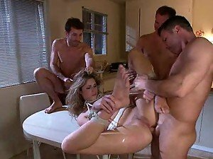 Hot Babe Gets Double Penetrated by Big Cocks In Gangbang