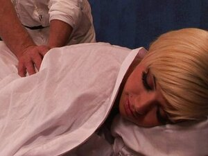 Blond cheerleader gets a massage