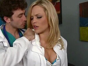 Hardcore Sex With The Blonde Doctor Alexis Texas