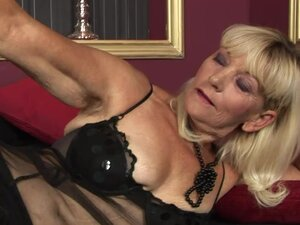Hot Blonde Granny Mounting a Teen Cock in Hardcore Sex Vid
