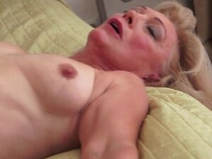 Mature with shaved box fucked on her back