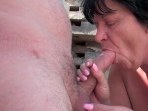 Fucking a fat old chick outdoors after BJ