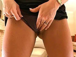 Hot Brunette MILF Masturbates While Showing Her Body Off